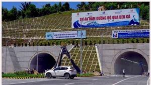 HÌNH ẢNH: Hầm đường bộ đèo Cả dài 4,1km trước giờ G thông xe