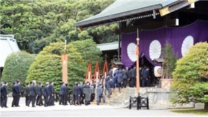 Thủ tướng Nhật Bản gửi đồ lễ tới đền Yasukuni bị coi là 'biểu tượng chủ nghĩa quân phiệt Nhật Bản'