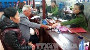 Lễ tang cấp cao vợ cố doanh nhân Trịnh Văn Bô, thay hộ khẩu giấy, trưởng công an xã bắn chủ tịch xã