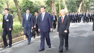 Hình ảnh Tổng Bí thư Nguyễn Phú Trọng và Chủ tịch Trung Quốc Tập Cận Bình thăm Nhà sàn Bác Hồ