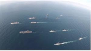 VIDEO: Cận cảnh 3 tàu sân bay Mỹ tạo thành mũi tên hướng vào Triều Tiên