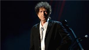 Nghe dịch giả Ngô Tự Lập hát hit phản chiến của Bob Dylan
