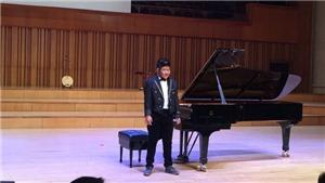 Bôm, con trai diễn viên Quốc Tuấn, nhận học bổng Toyota