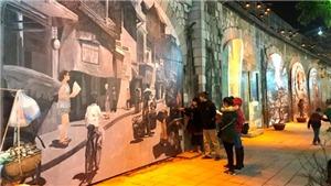 Sống lại 'ký ức Hà Nội' trên phố bích họa Phùng Hưng