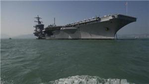 Đoàn cán bộ liên ngành Việt Nam thăm tàu sân bay Hoa Kỳ USS Carl Vinson