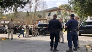 Kẻ mang áo chống đạn nổ súng ở Mỹ, 3 người bị bắt làm con tin