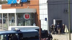 Vụ bắt cóc con tin tại Pháp: Cảnh sát bắt giữ bạn gái của thủ phạm
