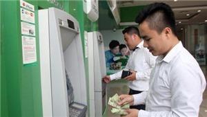 Dừng tăng phí rút tiền ATM đợi dư luận... đồng thuận