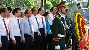 Thủ tướng Nguyễn Xuân Phúc dâng hương tại Nghĩa trang Liệt sĩ Trường Sơn, Đường 9
