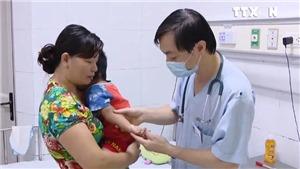 Gia tăng biến chứng viêm não ở trẻ mắc tay chân miệng