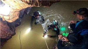 Đội thợ lặn nối lại chiến dịch giải cứu đội bóng thiếu niên Thái Lan