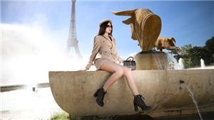 Lê Âu Ngân Anh khoe dáng trên đường phố Paris