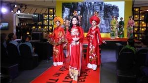 Á hậu Huyền My nổi bật khi trình diễn áo dài tại Thái Lan