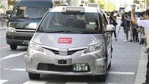 Thử nghiệm dịch vụ taxi tự động đầu tiên trên thế giới