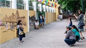 Tranh cãi về 'phố bích họa' Phan Đình Phùng (Hà Nội): Phá vỡ cảnh quan và không cần thiết?