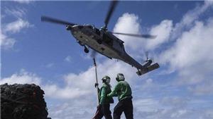 Máy bay trực thăng rơi trên tàu sân bay Mỹ ở Thái Bình Dương