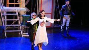 Sau vai My Sói của 'Quỳnh Búp Bê', Thu Quỳnh tất bật trở lại sân khấu kịch