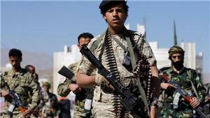 LHQ thuê máy bay sơ tán các tay súng phiến quân Houthi bị thương