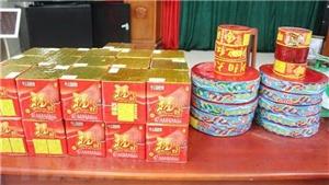 Hưng Yên: Bắt quả tang cán bộ công chứng buôn pháo nổ trái phép
