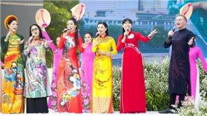Ngợi ca phụ nữ và áo dài