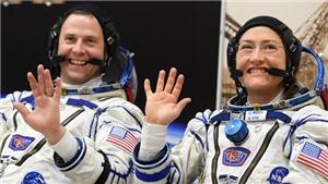 NASA hủy kế hoạch đi ra ngoài không gian của 2 nhà du hành nữ do... thiếu quần áo