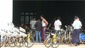 Đến trường bằng những chiếc xe đạp tái chế