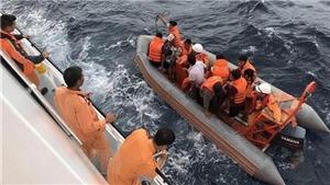 9 ngư dân tàu cá NA 95899 TS mất tích: Đưa một phần thi thể thuyền viên vào bờ nhận dạng
