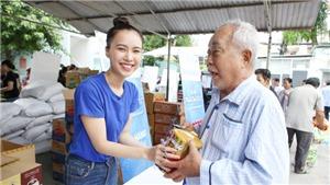 Người đẹp Miss World Việt Nam chuẩn bị gần 7 tấn hàng cho 'Phiên chợ tử tế'