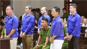 Xét xử Hưng 'kính' và đồng phạm cưỡng đoạt tài sản tại chợ Long Biên