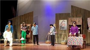 Vở kịch 'Bông hồng cài áo': Một bản dựng can đảm