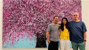 Họa sĩ Liêu Nguyễn Hướng Dương: Mang hoa đào Việt ra thế giới