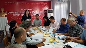 Nhiều lệch lạc khi sử dụng biểu tượng văn hóa Việt Nam nơi công cộng