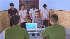 Đắk Lắk: Tạm giữ hình sự 5 đối tượng đánh bạc với số tiền giao dịch mỗi tuần trên 2 tỷ đồng