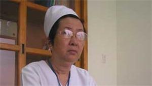 75 năm QĐND Việt Nam - Chuyện của những người anh hùng: Người anh hùng mặc áo blouse trắng