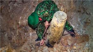 Xem những hình ảnh về quả bom nặng gần 230 kg được phát hiện tại Quảng Ninh