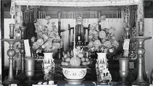 Sống chậm cuối tuần: Bàn thờ tổ tiên - đôi điều lễ nghĩa