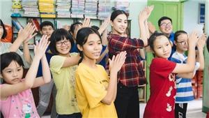 Hoa hậu Tiểu Vy cùng các em nhỏ nhảy 'Vũ điệu rửa tay' phòng chống bệnh dịch COVID-19