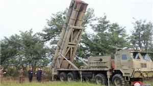 Nhà lãnh đạo Triều Tiên Kim Jong-un giám sát các cuộc tập trận