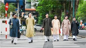 Đi tìm 'Quốc phục nam' truyền thống (kỳ 2): Áo dài nam đang bị hiểu lệch chuẩn ra sao?