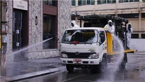 Dịch COVID-19: Binh chủng Hóa học phun thuốc tiêu độc, khử trùng khu vực phố Trúc Bạch
