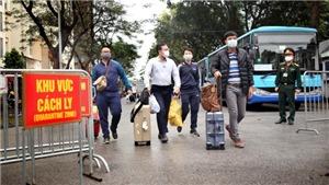 Hình ảnh gần 600 người hoàn thành cách ly tại Hà Nội trở về nhà hôm nay 4/4