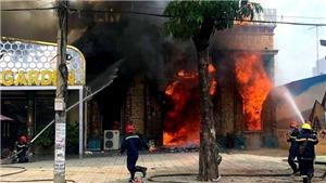 Cháy lớn tại quán karaoke đang sửa chữa, cải tạo ở TP HCM