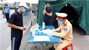 Mỗi ngày, hàng trăm nghìn lượt cán bộ, chiến sỹ Công an tham gia mặt trận chống dịch