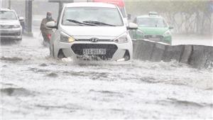 Mưa lớn gây ngập nhiều tuyến phố Thành phố Hồ Chí Minh