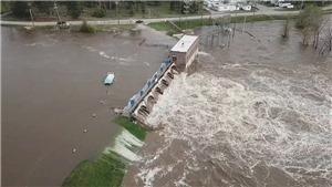 Bang Michigan Mỹ ban bố tình trạng khẩn cấp do vỡ đập