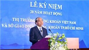 Thủ tướng Nguyễn Xuân Phúc đánh cồng kỷ niệm 20 năm hoạt động thị trường chứng khoán Việt Nam
