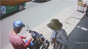 Truy tìm đối tượng cướp giật của người khuyết tật bán vé số ở Bình Dương