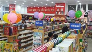 Nhà sách, siêu thị giảm giá nhưng vẫn vắng khách