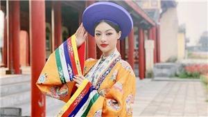 Lona Kiều Loan diện 'phượng bào' quảng bá du lịch miền Trung