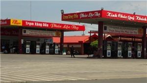 Công an tiếp tục phong tỏa một cửa hàng xăng dầu trên quốc lộ 14 tại Bình Phước